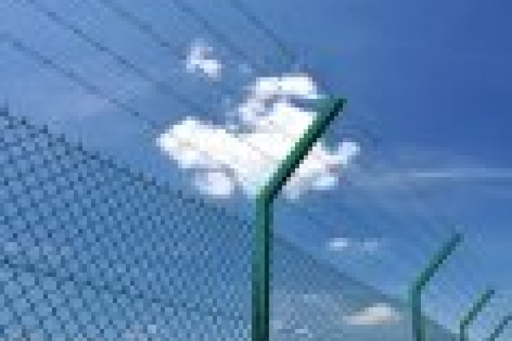 Your Local Fencer Barbed wire fencing 720 480