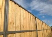 Kwikfynd Lap and Cap Timber Fencing aubingrove